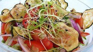 Aszalt cukkini saláta